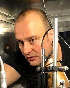 Prof.  Winfried Hensinger